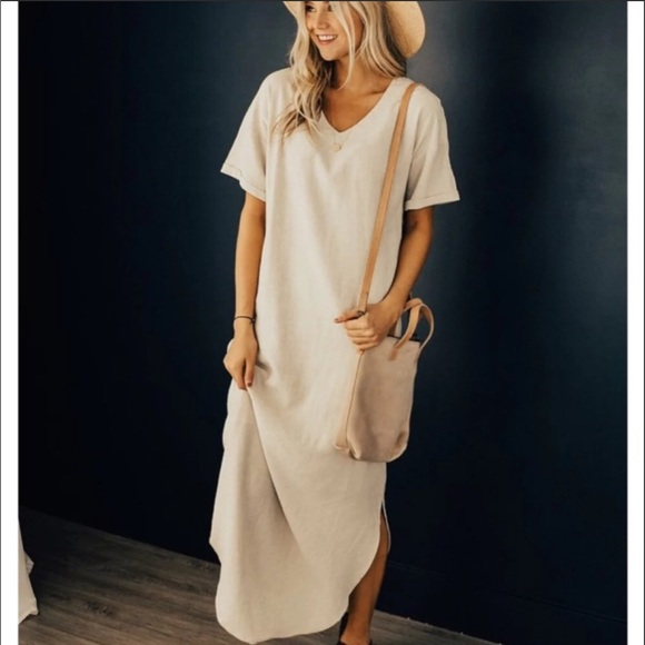 9f75a1b9b0 ... Nursing Friendly Maxi Dress. M 5c3eb400a31c33969e243e7b